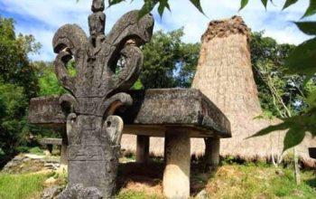 Wisata Kampung Adat Praigoli Sumba