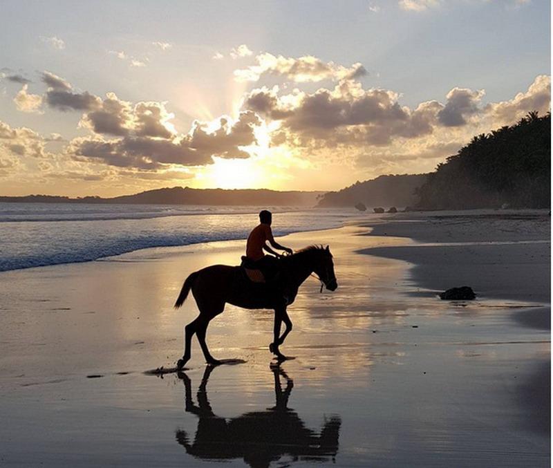Banyak Lokasi Wisata Di Pulau Sumba