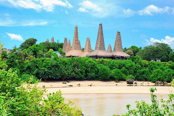 Sejarah Pantai Ratenggaro di Pulau Sumba